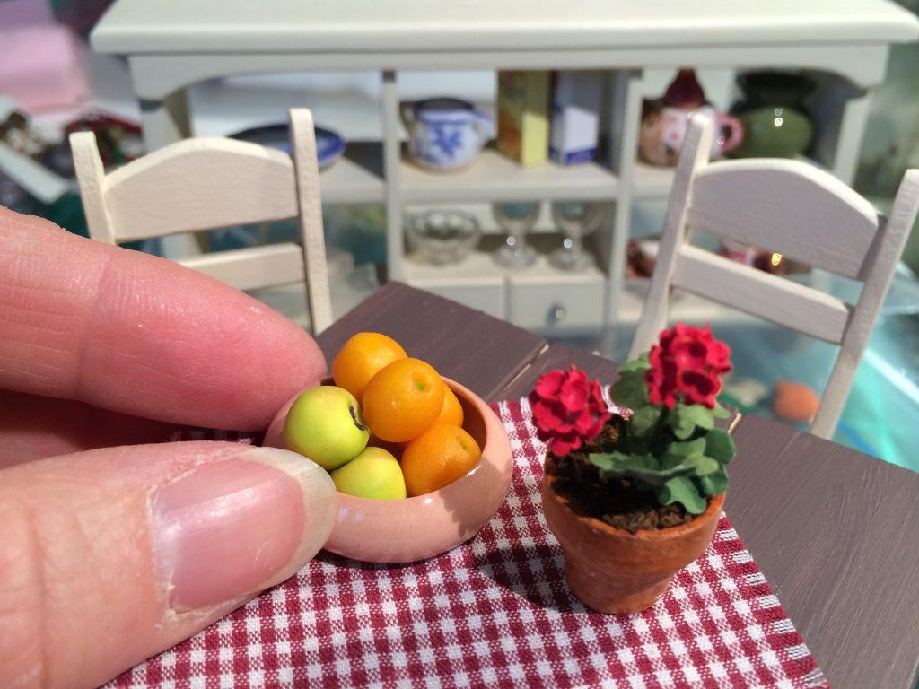 Minihedelmät ja -kukat.